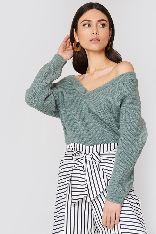 nakd_off_shoulder_v_knitted_sweater_1018-001056-0783_01a